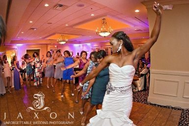 Read more about the article Olde Towne Club Wedding | Constance & Jessie