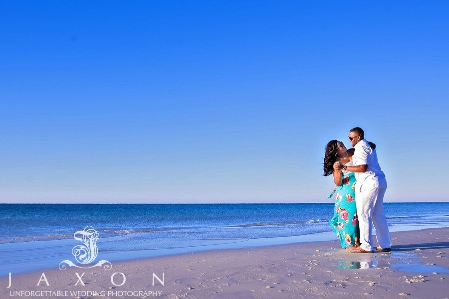 You are currently viewing Talya & Dwayne Beach Engagement Photography Session