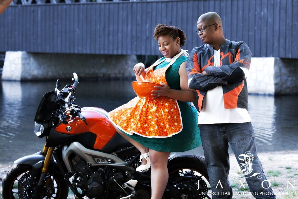 You are currently viewing Motorbike and pastries | Stone Mountain Engagement